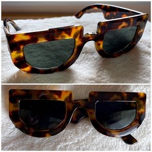 Flat Top Circle Thick Frame Tortoise Sunglasses